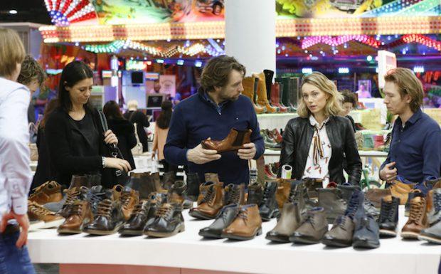 Düsseldorf, DEU, 10.02.2016. GDS Winter 2016 – Impressionen der GDS – Global Destination for Shoes & Accessories vom 10. bis 12. Februar 2016. --- Fair Impressions of GDS - Global Destination for Shoes & Accessories from 10 to 12 February 2016. Foto: Messe Düsseldorf, Constanze Tillmann. Exploitation right Messe Düsseldorf, M e s s e p l a t z, D-40474 D ü s s e l d o r f, www.messe-duesseldorf.de; eine h o n o r a r f r e i e Nutzung des Bildes ist nur für journalistische Berichterstattung, bei vollständiger Namensnennung des Urhebers gem. Par. 13 UrhG (Foto: Messe Düsseldorf / ctillmann) und Beleg möglich; Verwendung ausserhalb journalistischer Zwecke nur nach schriftlicher Vereinbarung mit dem Urheber; soweit nicht ausdrücklich vermerkt werden keine Persönlichkeits-, Eigentums-, Kunst- oder Markenrechte eingeräumt. Die Einholung dieser Rechte obliegt dem Nutzer; Jede Weitergabe des Bildes an Dritte ohne Genehmigung ist untersagt | Any usage and publication only for editorial use, commercial use and advertising only after agreement; unless otherwise stated: no Model release, property release or other third party rights available; royalty free only with mandatory credit: photo by Messe Duesseldorf]